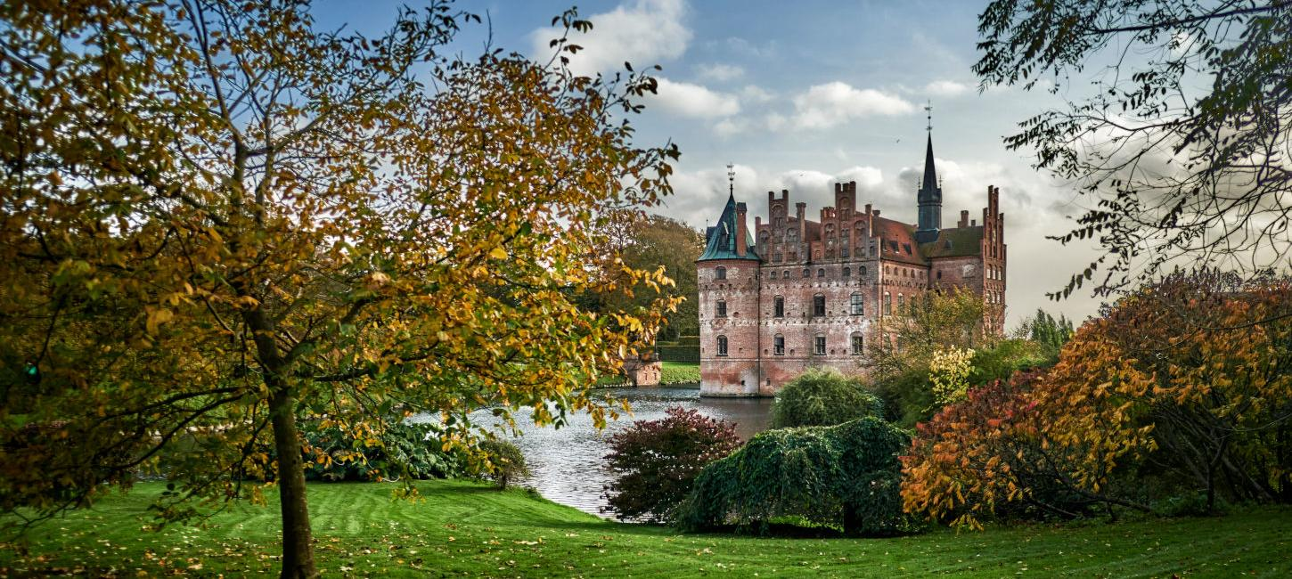 Egeskov castle | automn holiday | VisitFaaborg